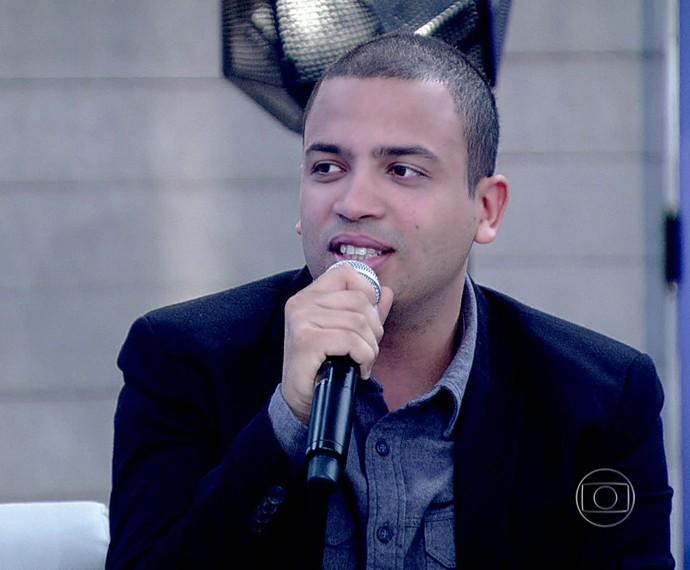 Projota fala de clipe inédito de música feita com Marcelo D2 (Foto: TV Globo)