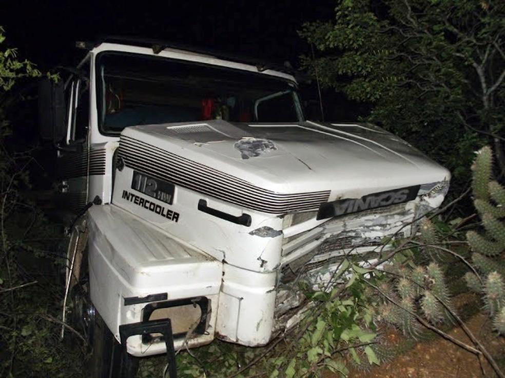 Colisão frontal entre veículos deixou três mortos na BR-304 (Foto: Cabugi Notícias )