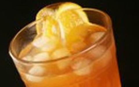 Drinque mistura mate e vodca. Anote a receita