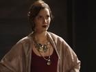 Estilosa, Nathalia Dill emplaca mais uma personagem e dita moda de época