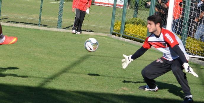 Luis Fabiano treino com bola (Foto: Divulgação/saopaulofc.net)