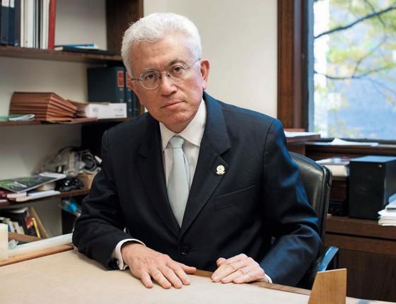 """O ex-ministro Mangabeira Unger.""""Há uma  mentalidade pequeno-burguesa,não mais proletária (Foto:  Agência Câmara)"""