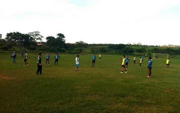 Equipe se prepara para a disputa da segunda divisãoMineiro. (Foto: Valdivan Veloso / G1)