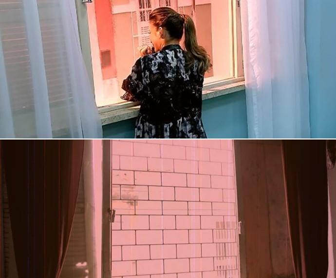 A casa da vó de Claudia Leitte foi recriada no quadro 'Visitando o Passado'; a foto de cima traz a cantora na janela recriada que ela fazia de palco; abaixo, a original (Foto: TV Globo / Caldeirão do Huck)