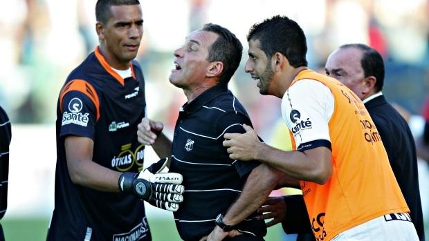 PC Gusmão foi expulso contra o Fortaleza (Foto: Marília Camelo / Agência Diário)