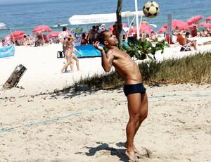Felipe Futvôlei Vasco (Foto: Roberto Cristino/ FotoRioNews)