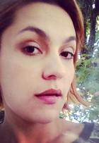 Paula Barbosa corta os cabelos bem curtinhos após novela