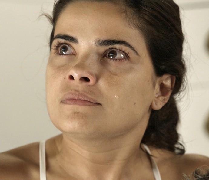 Tóia é surpreendida pela atitude 'sem noção' de Atena (Foto: TV Globo)