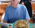 Lenda do boxe, Éder Jofre volta aos ringues para enfrentar boxeadora