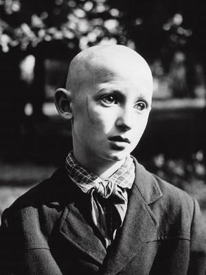 Foto 'Blind Pionerr', de Antanas Sutkus, está em exposição no Memorial da América Latina