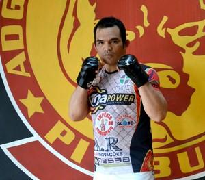 Lutador de MMA, Bradok de 41 anos, invicto em competições da modalidade (Foto: Quésia Melo)