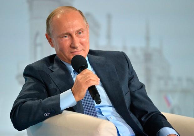 'Denúncias de ingerência russa em eleição nos EUA são histeria', diz Putin (Foto: Alexei Druzhinin/Sputnik, Kremlin Pool Photo/AP)