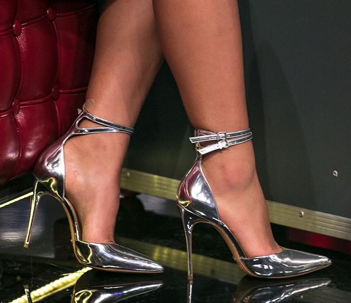 Muito estilo nos pés também! Bruna Marquezine lacrou com sapatos prateados (Foto: Isabella Pinheiro/Gshow)