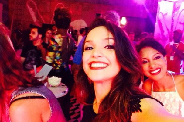 Maria Alice se divertiu nos bastidores do #PréTVB com os participantes do The Voice Brasil (Foto: Divulgação/ RPC TV)