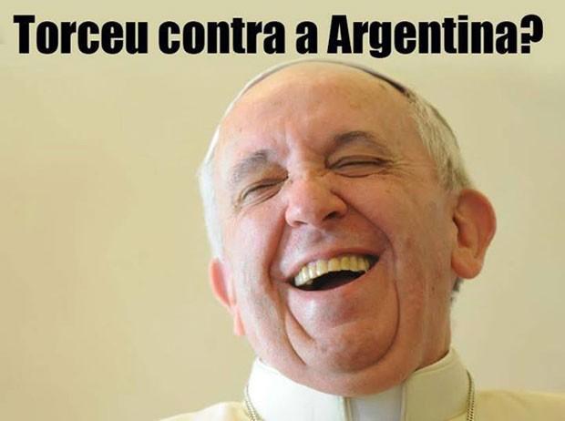 Será que o Papa Francisco mexeu os pauzinhos com alguém lá de cima? (Foto: Reprodução)