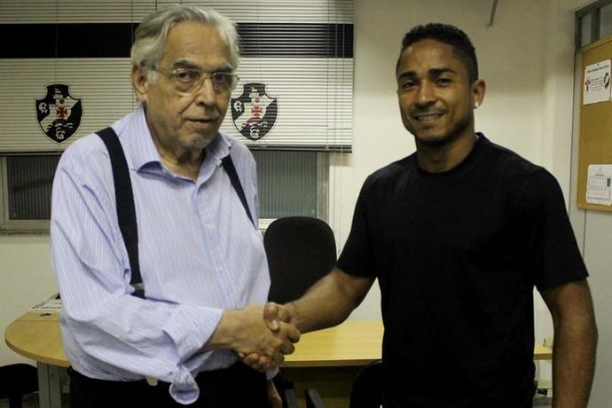 Eurico Miranda com Jorge Henrique (Foto: Carlos Gregório Jr / Vasco.com.br)