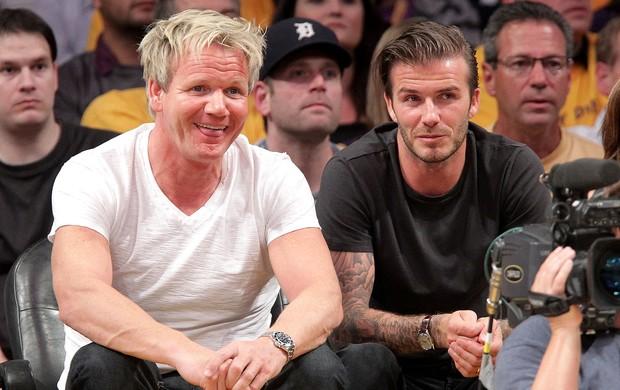Beckham com o chef Gordon Ramsay jogo NBA (Foto: Getty Images)