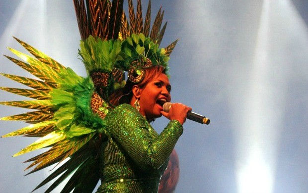 Gaby Amarantos levou o público ao delírio com os seus sucessos (Foto: Marcos Dantas/ G1 AM)