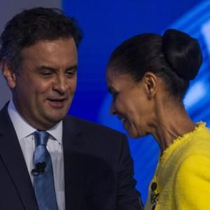 Aécio Neves (PSDB) e Marina Silva (PSB) antes do debate na Globo (Foto: Antonio Lacerda/EFE)