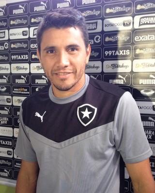 Gervasio Nuñez Botafogo (Foto: Marcelo Baltar)