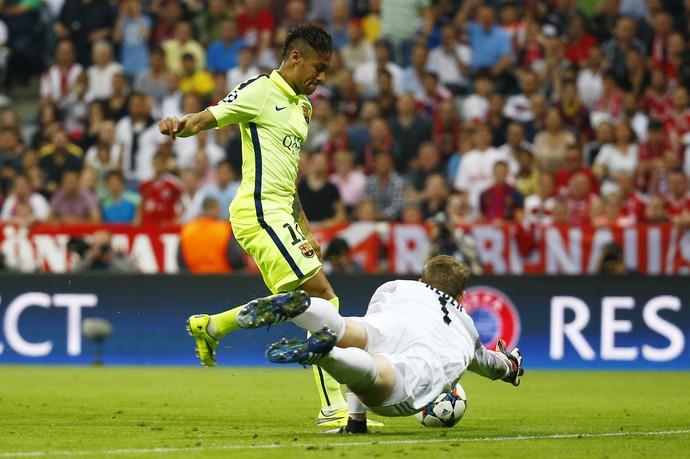 Neymar gol Barcelona Bayern (Foto: Kai Pfaffenbach/Reuters)