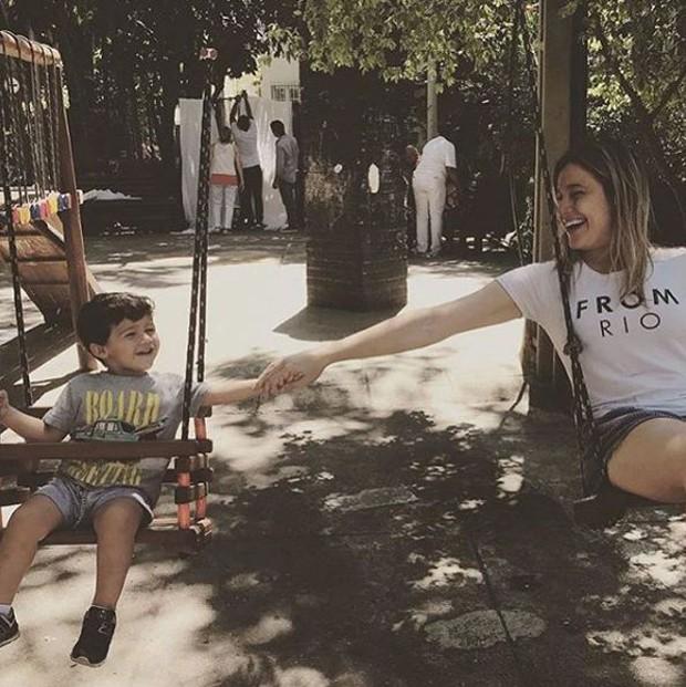 Fernanda Gentil e o filho, Gabriel (Foto: Reprodução/Instagram)