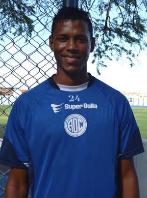 Joelton comemora 20 anos de idade com boa fase no Confiança (Foto: Felipe Martins)