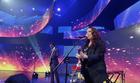 Ana Carolina e Seu Jorge cantam hit (Divulgação)