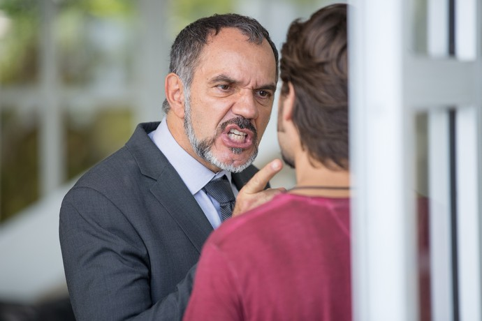 Germano não tolera ataque de Rafael (Foto: Fabiano Battaglin / Gshow)