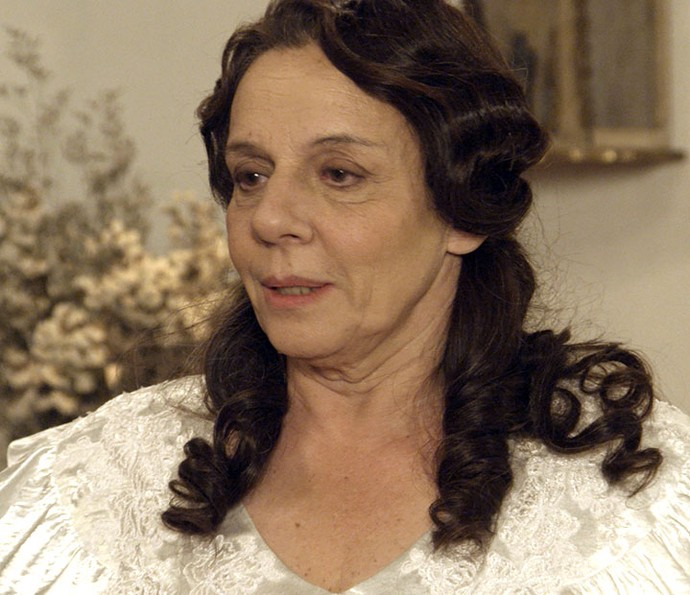 Eponina não vê o 'cegonho' voar em primeira noite com Pandolfo (Foto: TV Globo)