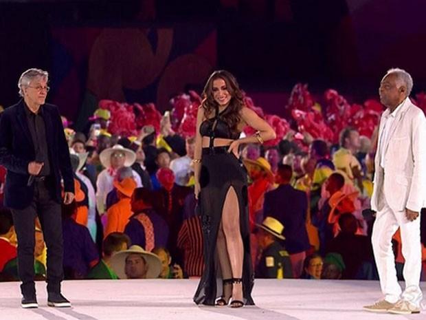 Caetano Veloso, Anitta e Gilberto Gil cantam na abertura da Olimpíada no Maracanã (Foto: Instagram/ Reprodução)