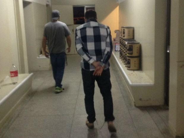 Falso agente de modelos foi preso em Salto de Pirapora  (Foto: Polícia Civil/Divulgação)