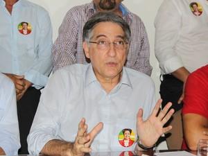 Governador eleito de Minas Gerais, Fernando Pimentel (PT), esteve em Montes Claros. (Foto: Valdivan Veloso / G1)