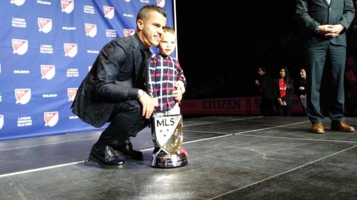 BLOG: Giovinco esmaga concorrentes e é coroado o MVP da temporada nos EUA