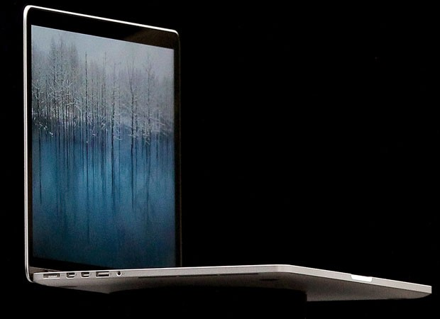 Novo versão do MacBook Pro está mais fina que um dedo, conforme a Apple (Foto: Justin Sullivan/Getty Images/AFP)