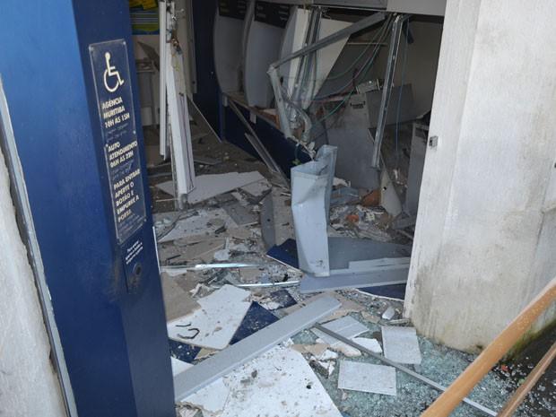 Morador da cidade contou ao G1 que ouviu cinco explosões (Foto: Edgard Abbehusen)