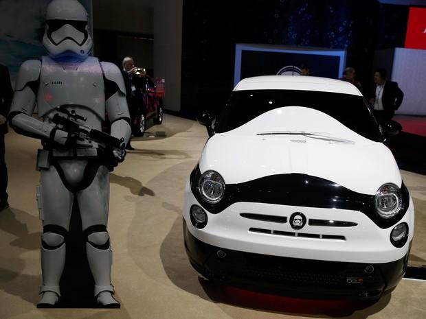 Fiat 500e Stormtrooper Concept (Foto: REUTERS/Lucy Nicholson)
