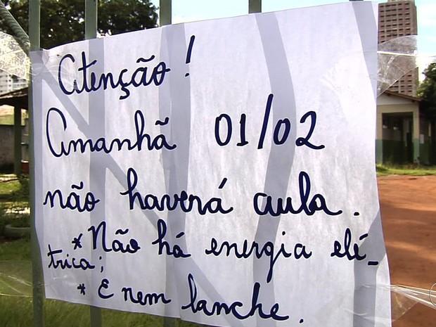 Escola está fechada há quatro dias por falta de energia em Goiânia, Goiás (Foto: Reprodução/TV Anhanguera)