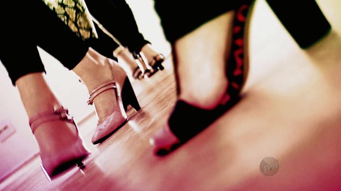 A dança Stiletto traz ritmo, equilibrio, sensualidade e segurança para a mulherada (Foto: reprodução EPTV)