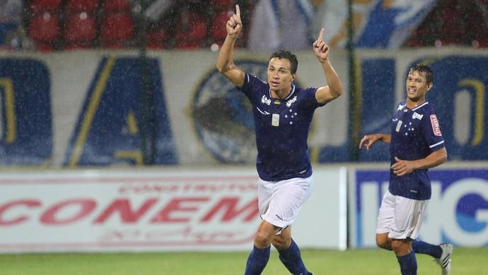 Leandro Damião, gol Cruzeiro x Villa Nova-MG (Foto: Cristiane Mattos / Futura Press)