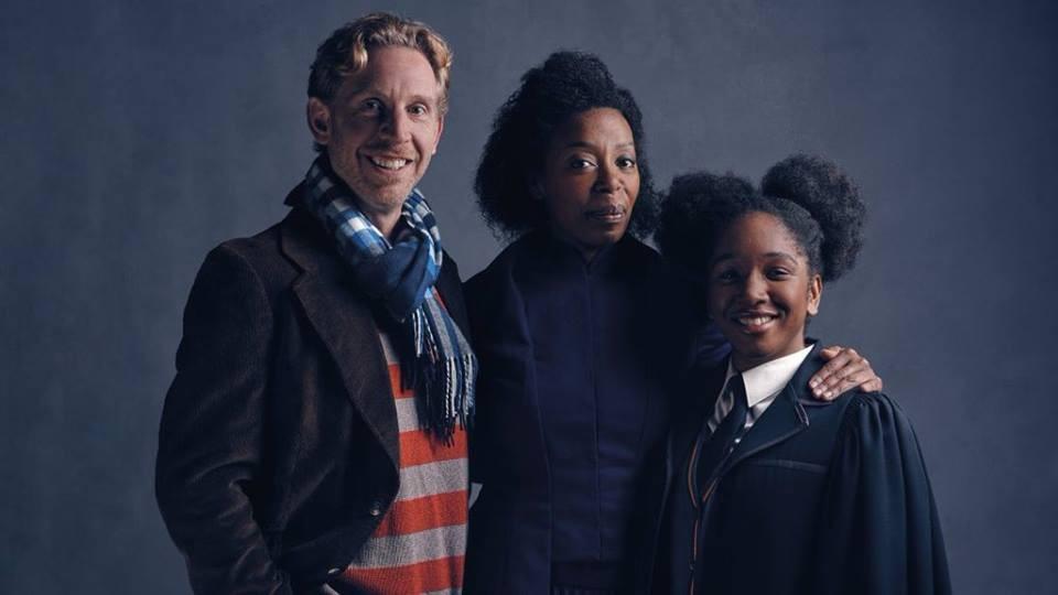 Paul Thornley, Noma Dumezwen e Cherrelle Skeete como Rony, Hermione e Rose Weasley (Foto: Divulgação)
