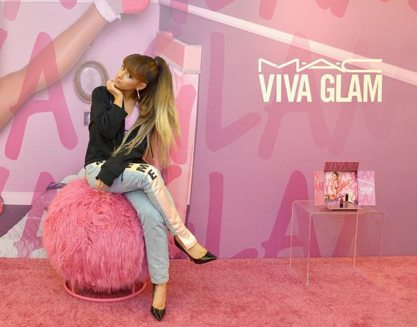 Ariana Grande apresenta nova coleção pra Viva Glam, em Los Angeles (Foto: Getty Images)