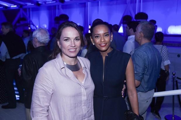A diretora de redação de Marie Claire, Marina Caruso e a nossa estrela da Capa, Taís Araújo  (Foto: Renato Wrobel )