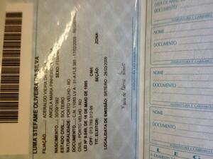 Nova carteira de trabalho informatizada (Foto: Roger Henrique/G1)