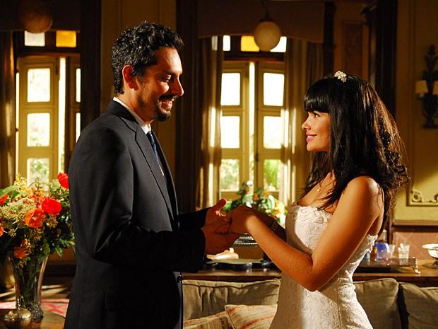Terêncio se casa no civil com Rosinha e realiza o sonho de ser pai (Foto: Thiago Prado Neris / TV Globo)