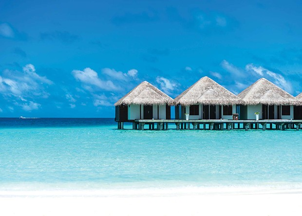 Beautiful beach with water bungalows at Maldives (Foto: Getty Images/iStockphoto)