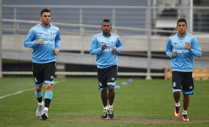 Maicon Bolaños Pedro Rocha Grêmio (Foto: Lucas Uebel/Divulgação Grêmio)