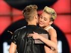 Bieber e Miley se divertem em festa e deixam boate juntos, diz site