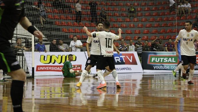 Corinthians comemora gol na Liga Paulista (Foto: Yuri Gomes/Elite Comunicação)