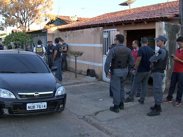 Confronto terminou em morte dentro de residência no Bairro CPA III, em Cuiabá (Foto: Reprodução/TVCA)